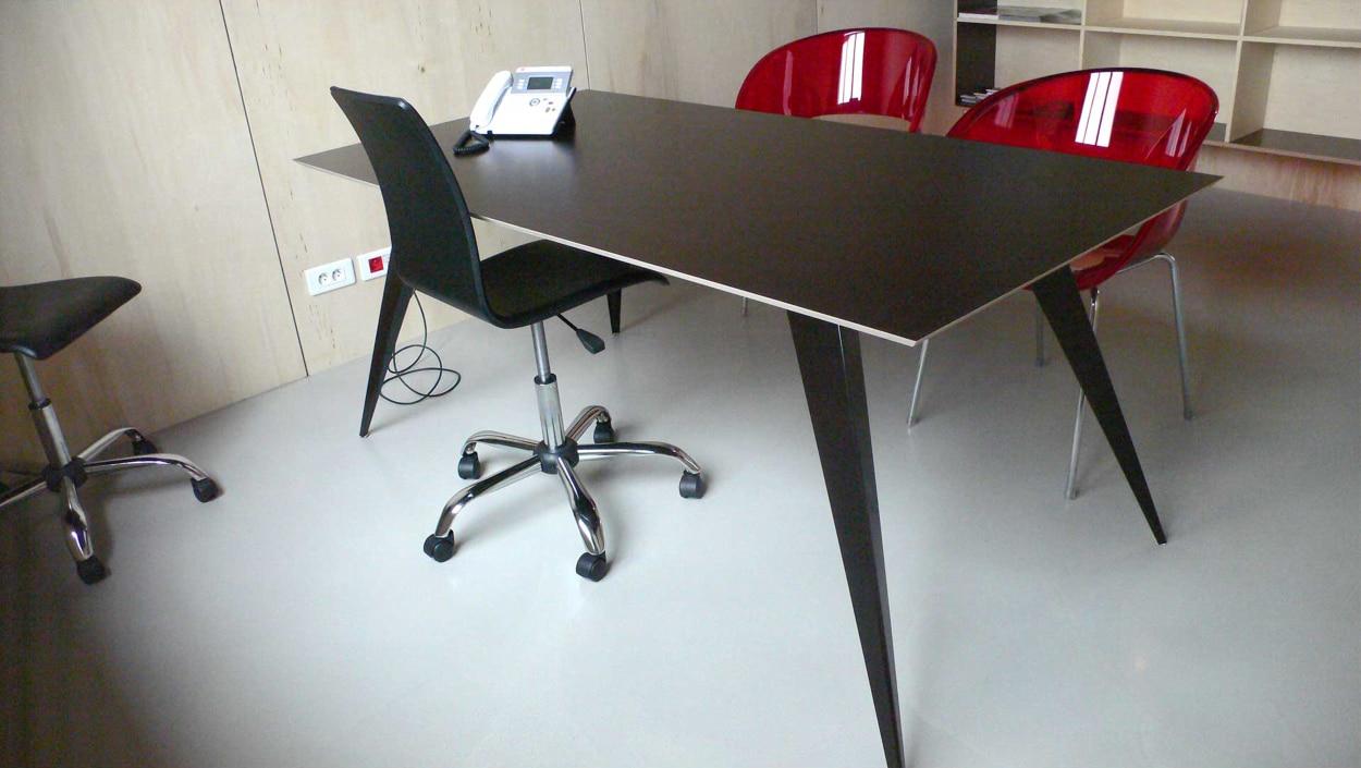 Fabrication table prouve inspiration m talobil for Mobilier japonais nantes