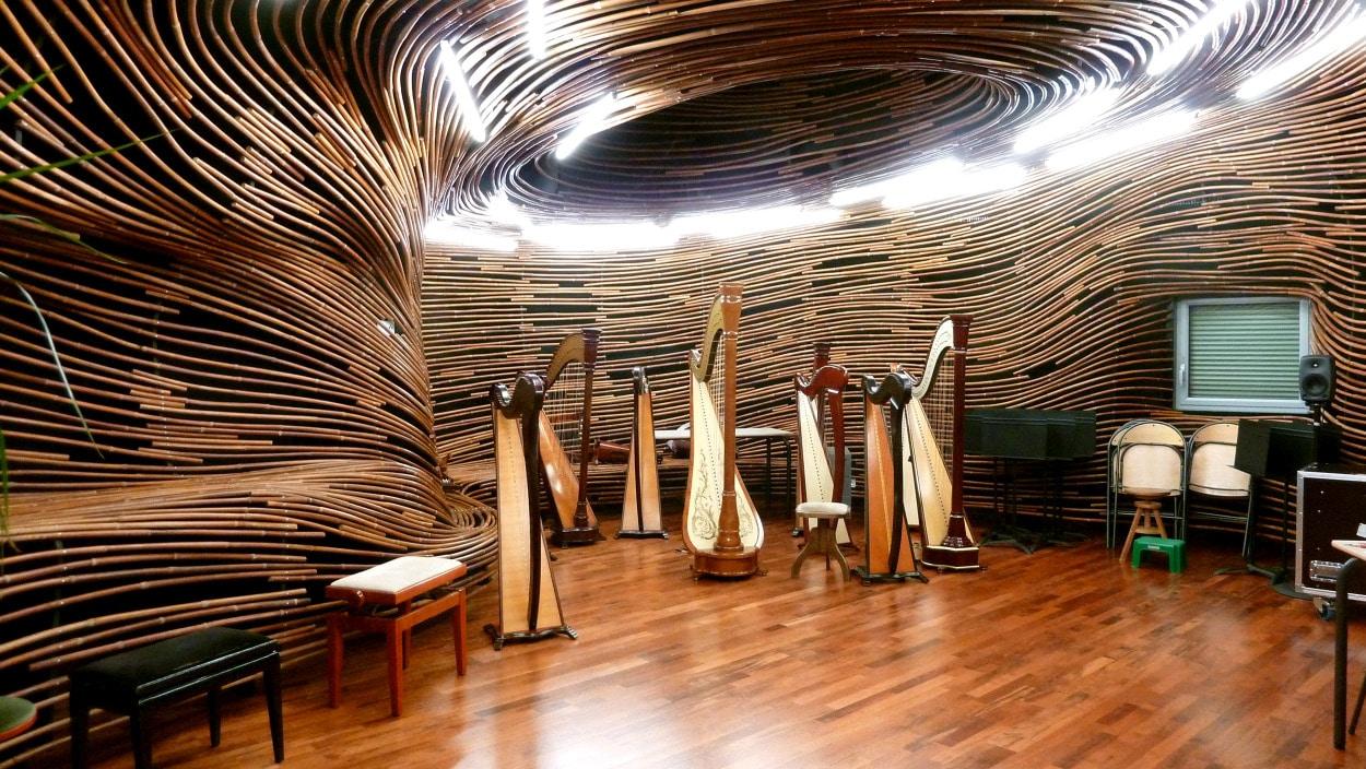 Salle de harpe design espace acoustique metalobil for Mobilier japonais nantes