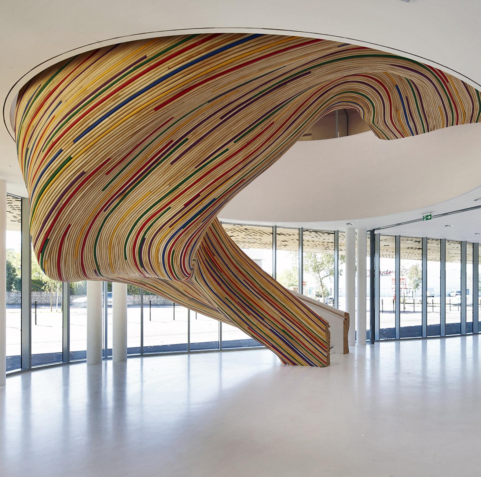 Habiller escalier en rotin m talobil agence de design for Mobilier japonais nantes